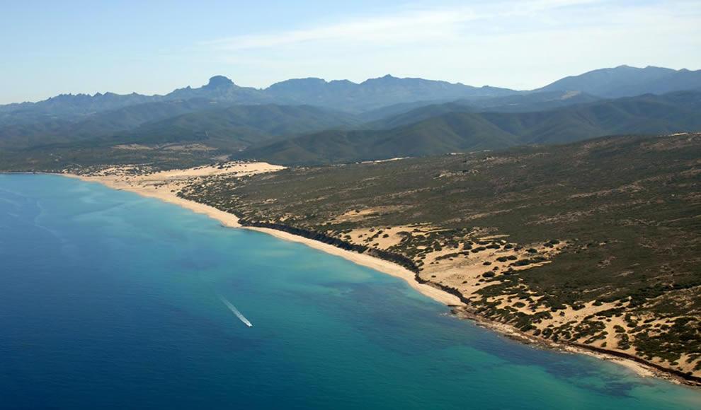 Piscinas tra le 21 spiagge più belle del mondo secondo il National Geographic