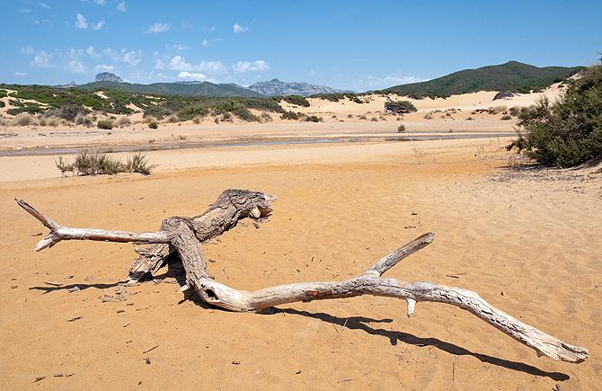 (Italiano) National Geographic: Piscinas tra le spiagge più belle del mondo secondo
