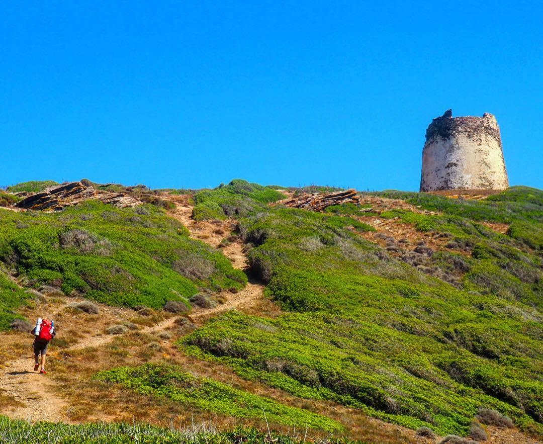 (Italiano) Torre dei Corsari, una vacanza nella Sardegna sud-occidentale