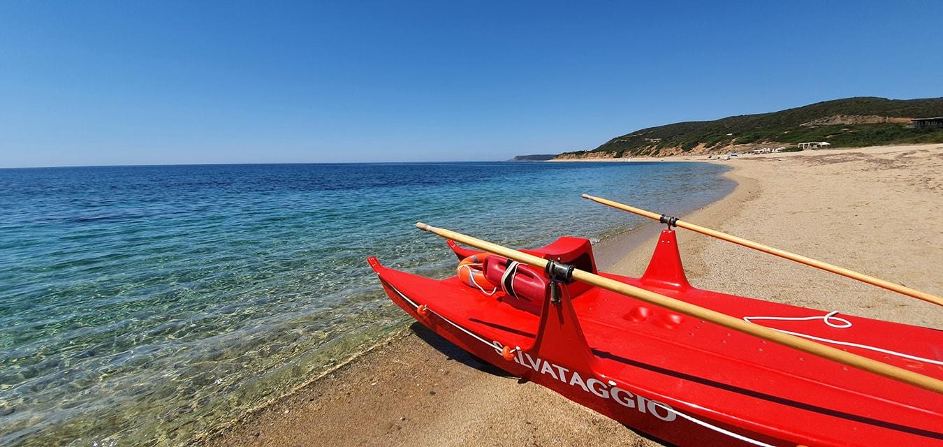 Vacanze sicure in Costa Verde: 21 bagnini in servizio 7 giorni su 7